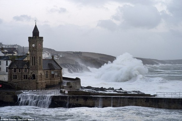 5.PORTHLEVEN IN CORNWALL, 63 FT WAVES IN ST IVES